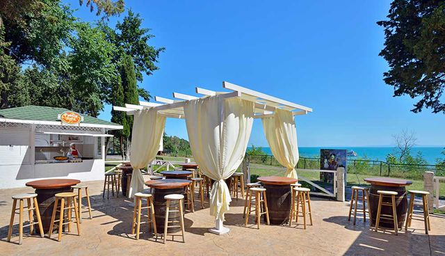 Sol Nessebar Bay - Food and dining